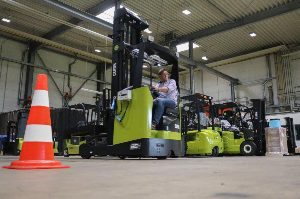 Review CLARK Reach Truck SRX14/16